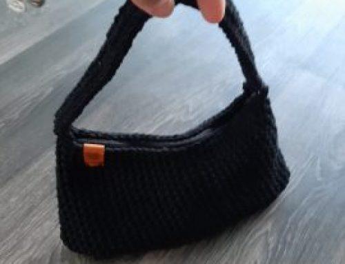 Háčkovaná taška na plece